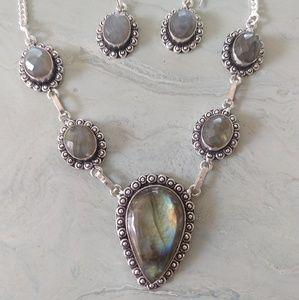 Jewelry - Beautiful labradorite necklace stamped 925 set
